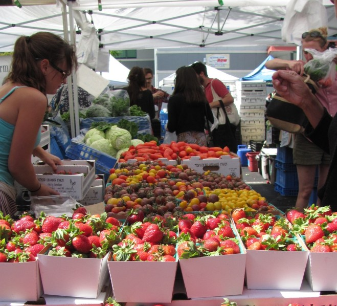 East Bay farmers' market. Photo: Laura McCamy