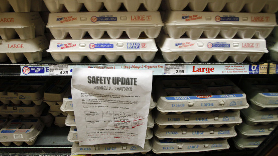 The Centers for Disease Control and Prevention's PulseNet service monitors clusters of sickness linked to potentially dangerous strains of foodborne pathogens such as E.coli or salmonella. Photo: Reed Saxon/AP