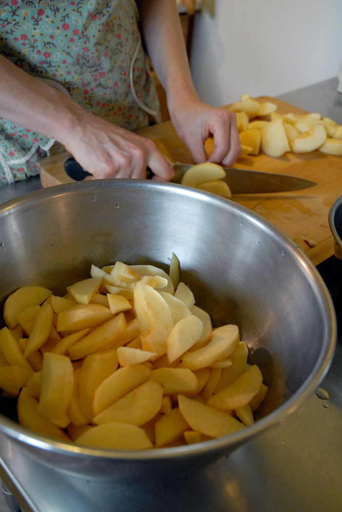 Core and slice the apples and place in bowl