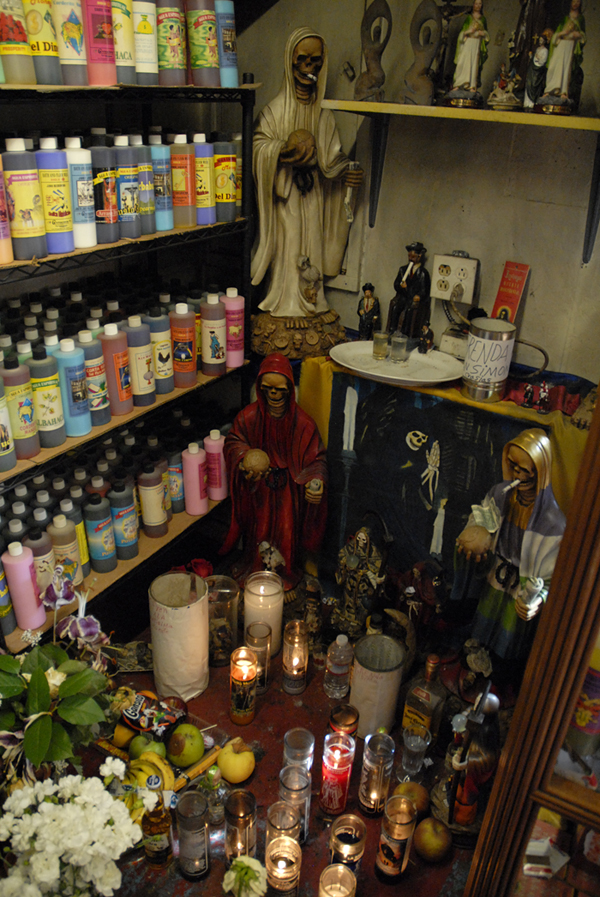 Corner altar at Botanica Los Sueños. Photo: Wendy Goodfriend