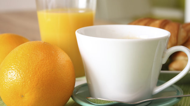 Coffee can help cut your risk of type 2 diabetes, fresh research shows. Other foods, such as oranges, lemons and other citrus fruits, nuts and beans can also help. Photo: iStock
