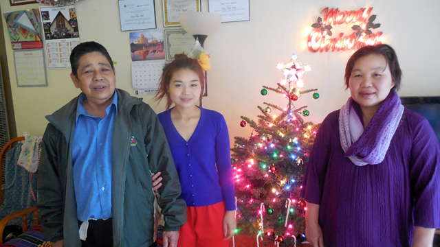 Liberian and Burmese Refugees Celebrate Christmas in Oakland