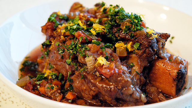 Glamorous Comfort Food: Succulent Braised Short Ribs for Christmas