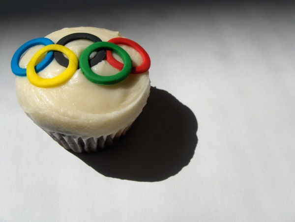 An Olympic-themed cupcake. (CleverCupcakes/Flickr)