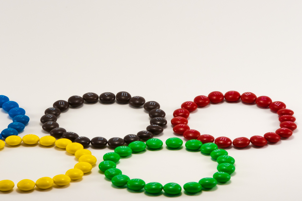 Get in the spirit of the Olympics with five ring-themes snacks. (LenDog64/Flickr)