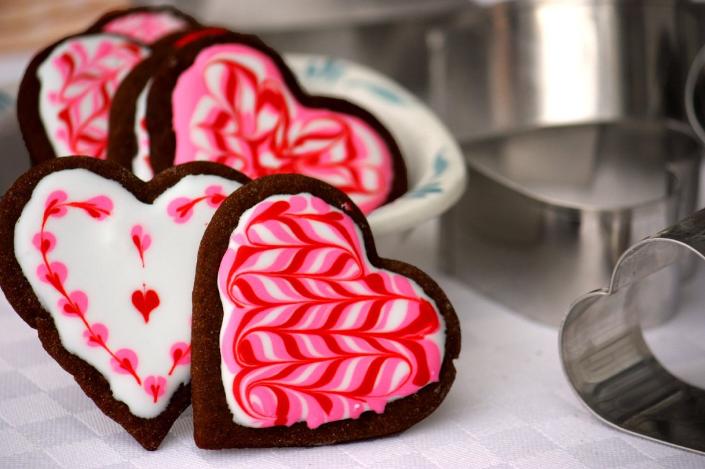 Marbled royal icing on gingerbread. (T. Susan Chang/NPR)