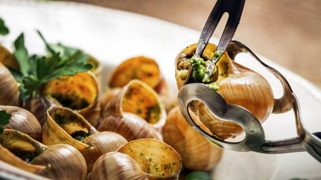 France's famed mollusk appetizer could be endangered by an unwelcome worm arrival, scientists worry. Photo: iStockphoto