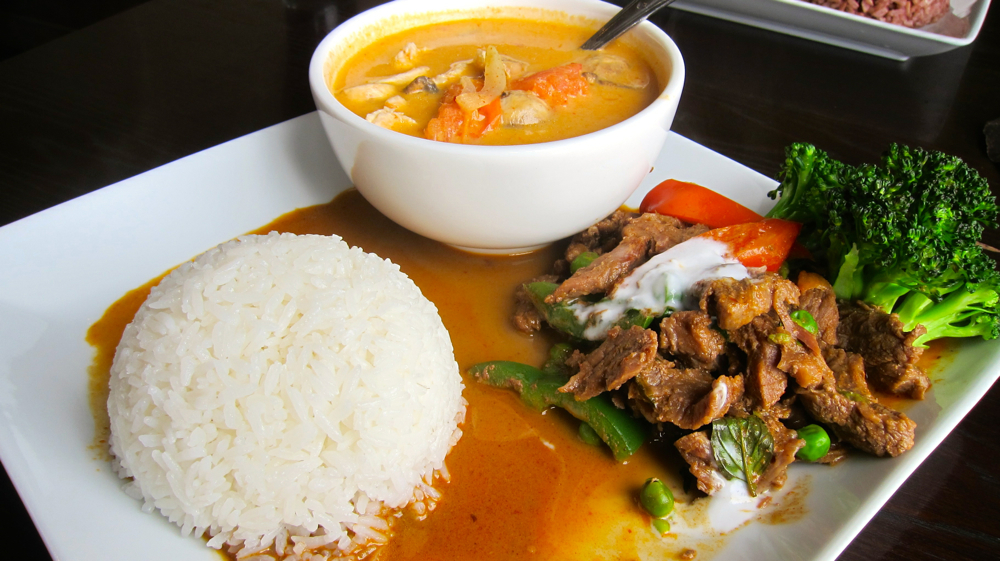 Beef panang curry & tom kha kai soup