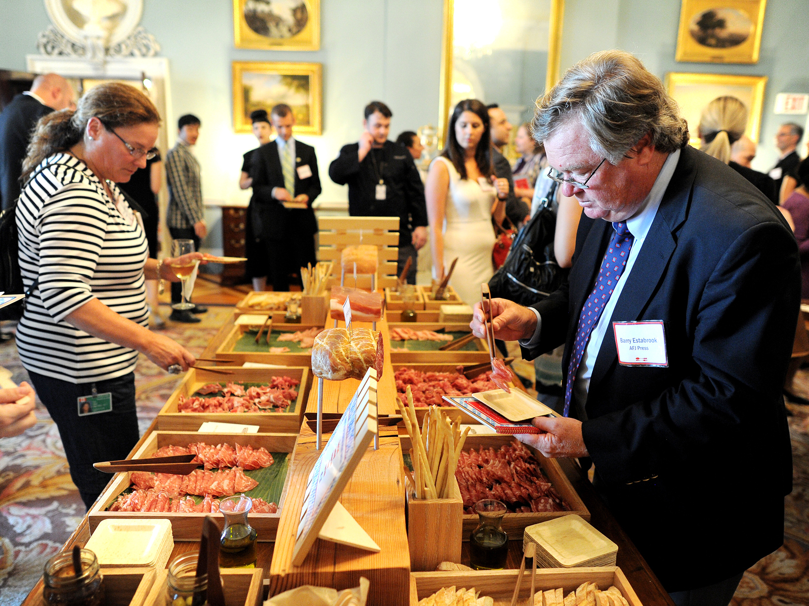 Participants of the Diplomatic Culinary Partnership try different foods at the State Department in Washington during a gathering of the American Chef Corps, a network of chefs from across the U.S. Photo: Jewel Samad/AFP/Getty Images