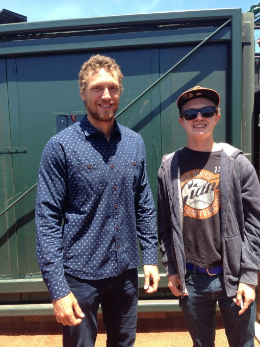 Kale lovin' ballplayer Hunter Pence and a fan, also a keen green eating machine.