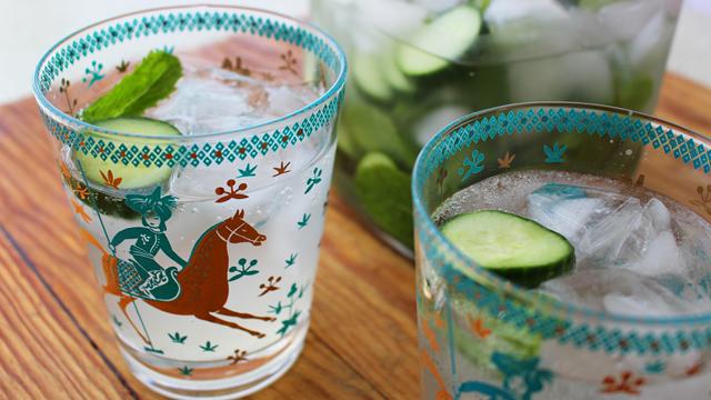 Summer in a Cocktail: Cucumber-Lemon-Mint Vodka Fizz
