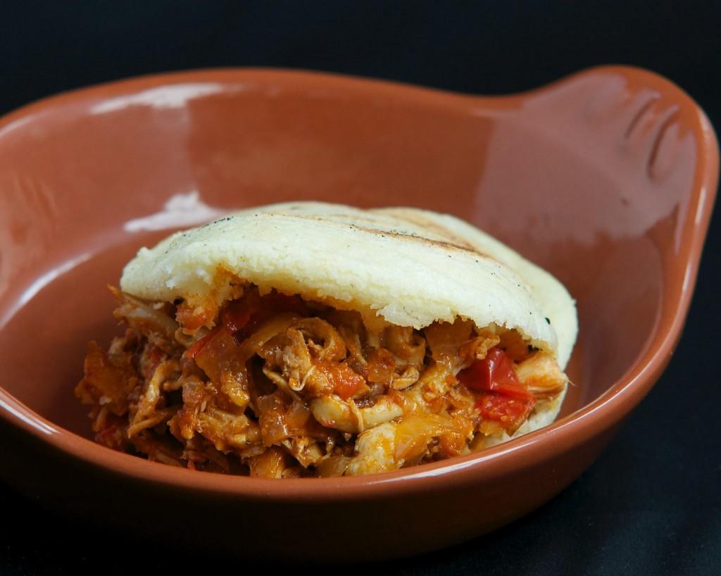 Carne Mechada Arepa