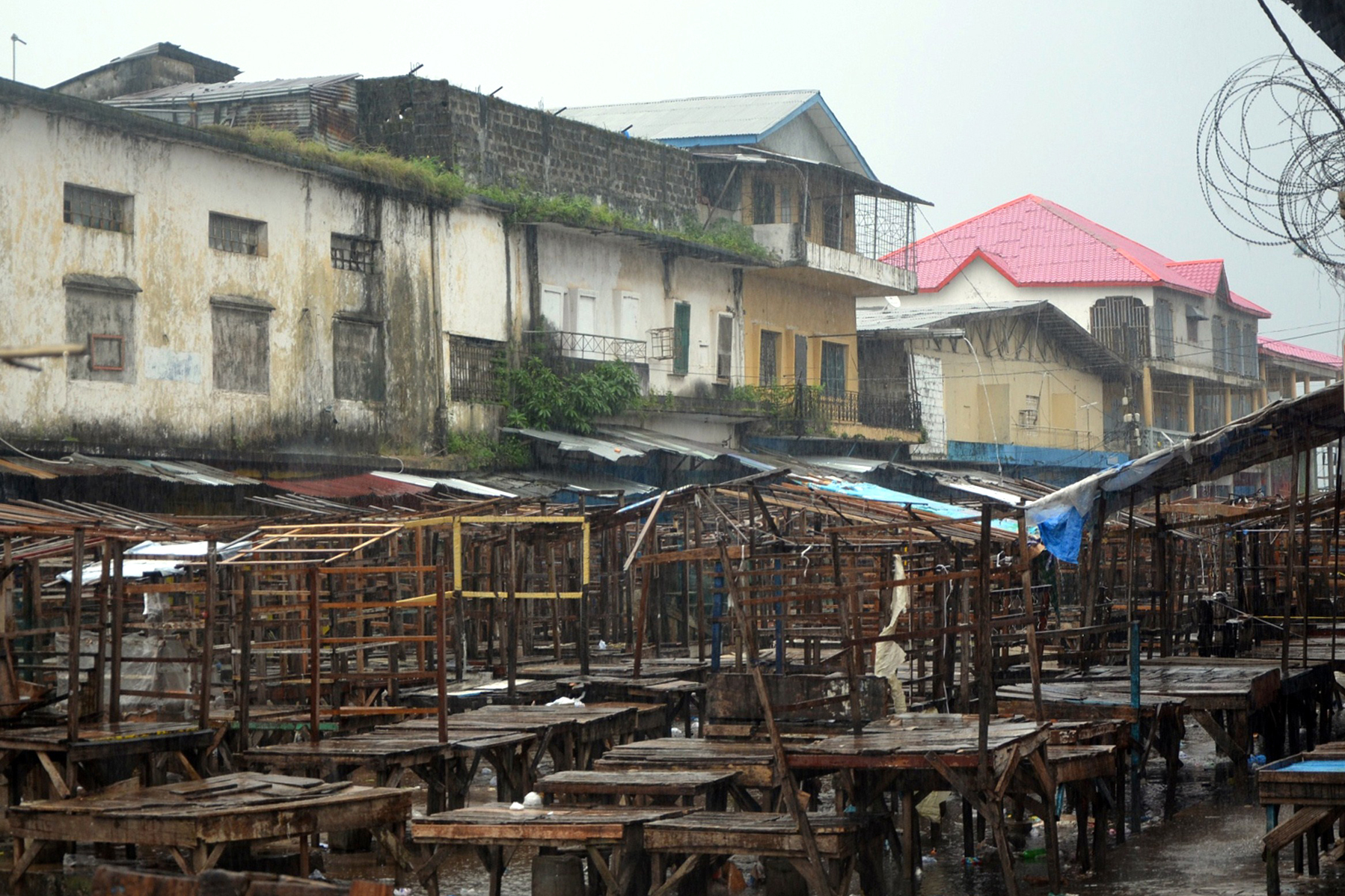 A street market remains empty in Monrovia's West Point slum as part of quarantine measures to contain the spread of Ebola in Liberia. Photo: Zoom Dosso/AFP/Getty Images