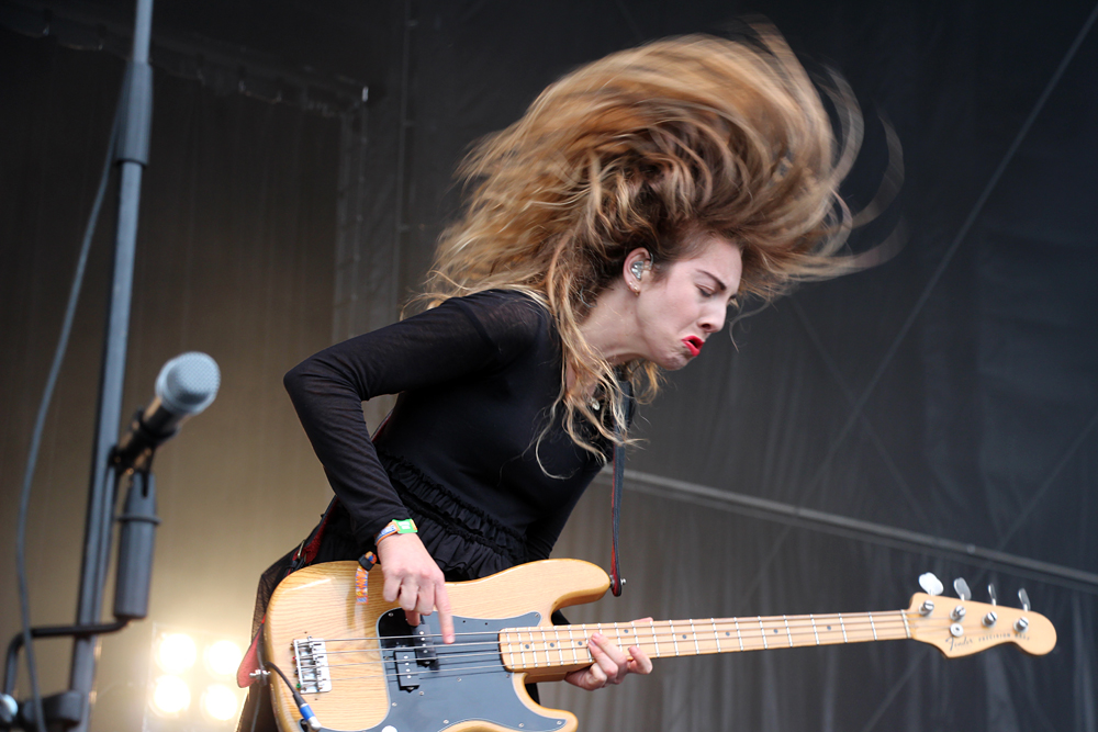 Serious hair flipping from Este Haim. Photo: Wendy Goodfriend