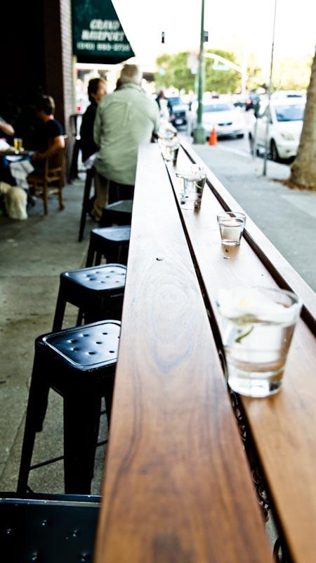Outdoor dining at Barlago. Photo: Justin Greer