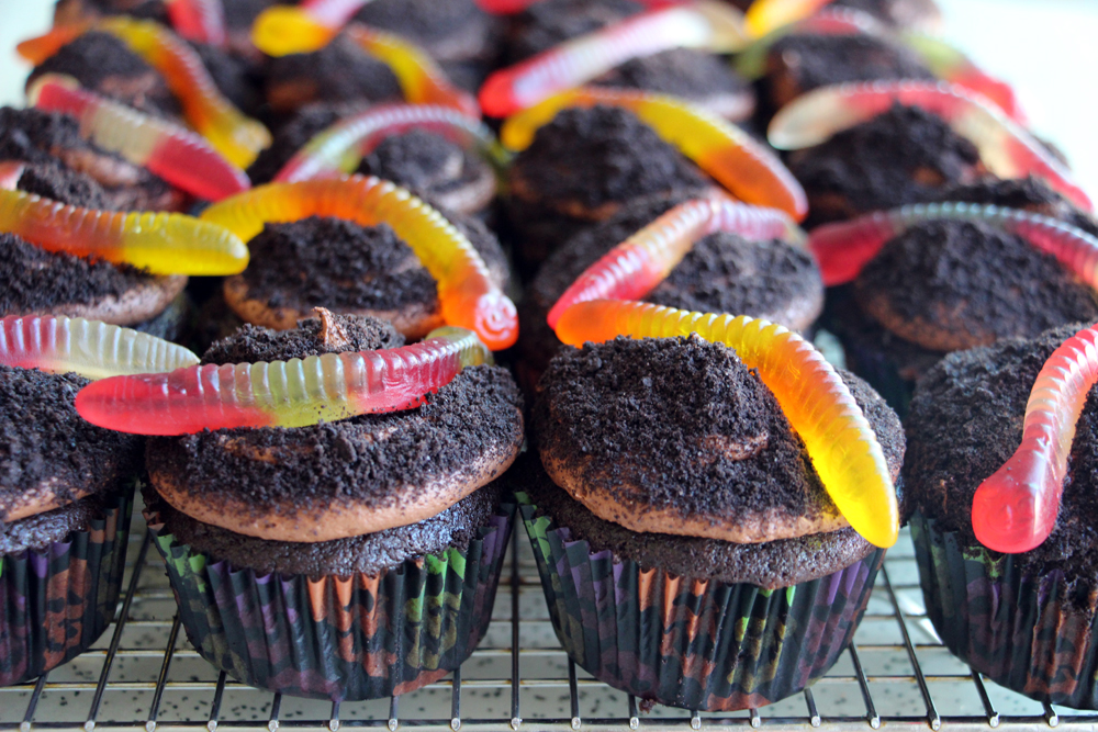 "Treat: Devil's Food Chocolate ""Dirt"" Cupcakes with Gummy Worms ..."
