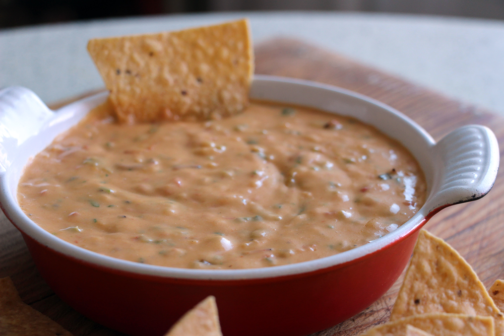 Cheese Please: Tex-Mex Chile Con Queso Dip For Your Super Bowl Party