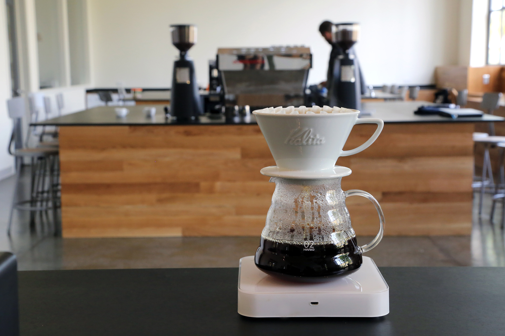 A pourover demonstration.