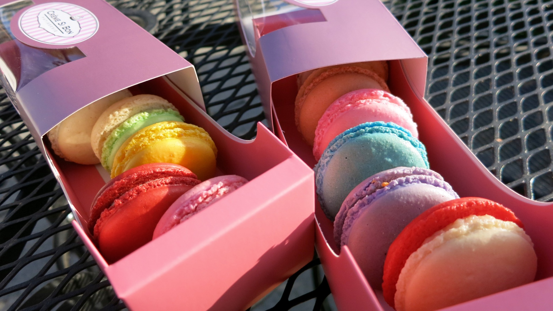 Macarons are pretty in pink boxes from Creme Si Bon.
