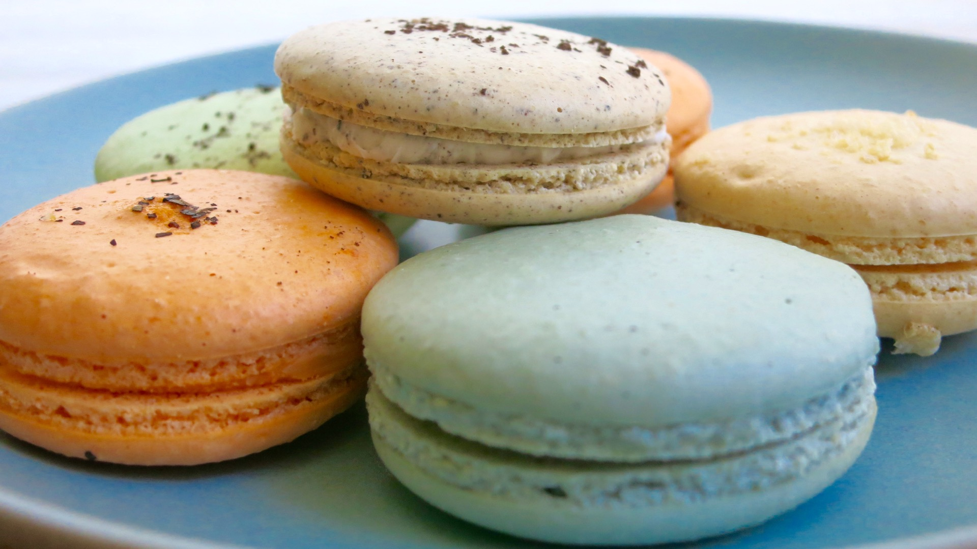 Oakland City Center's Cupcake Cove also carries a small selection of Natalie's Macarons.
