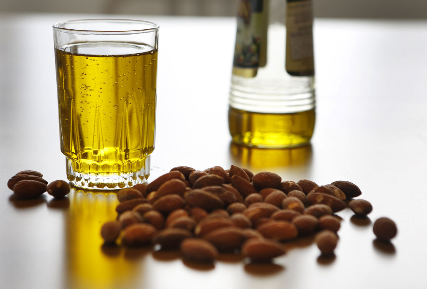 Mediterranean Diet With Extra Olive Oil May Lower Breast Cancer Risk