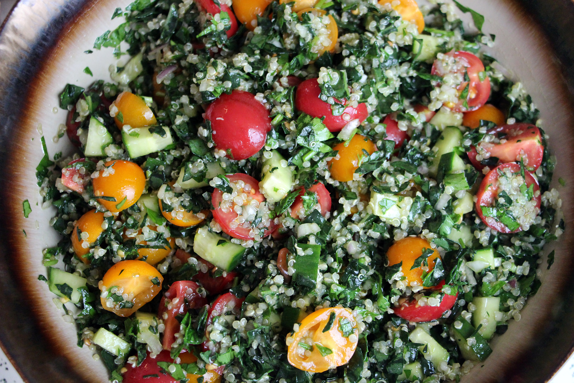 Mediterranean-Style Kale and Quinoa Tabouli with Cherry Tomatoes and Lemon