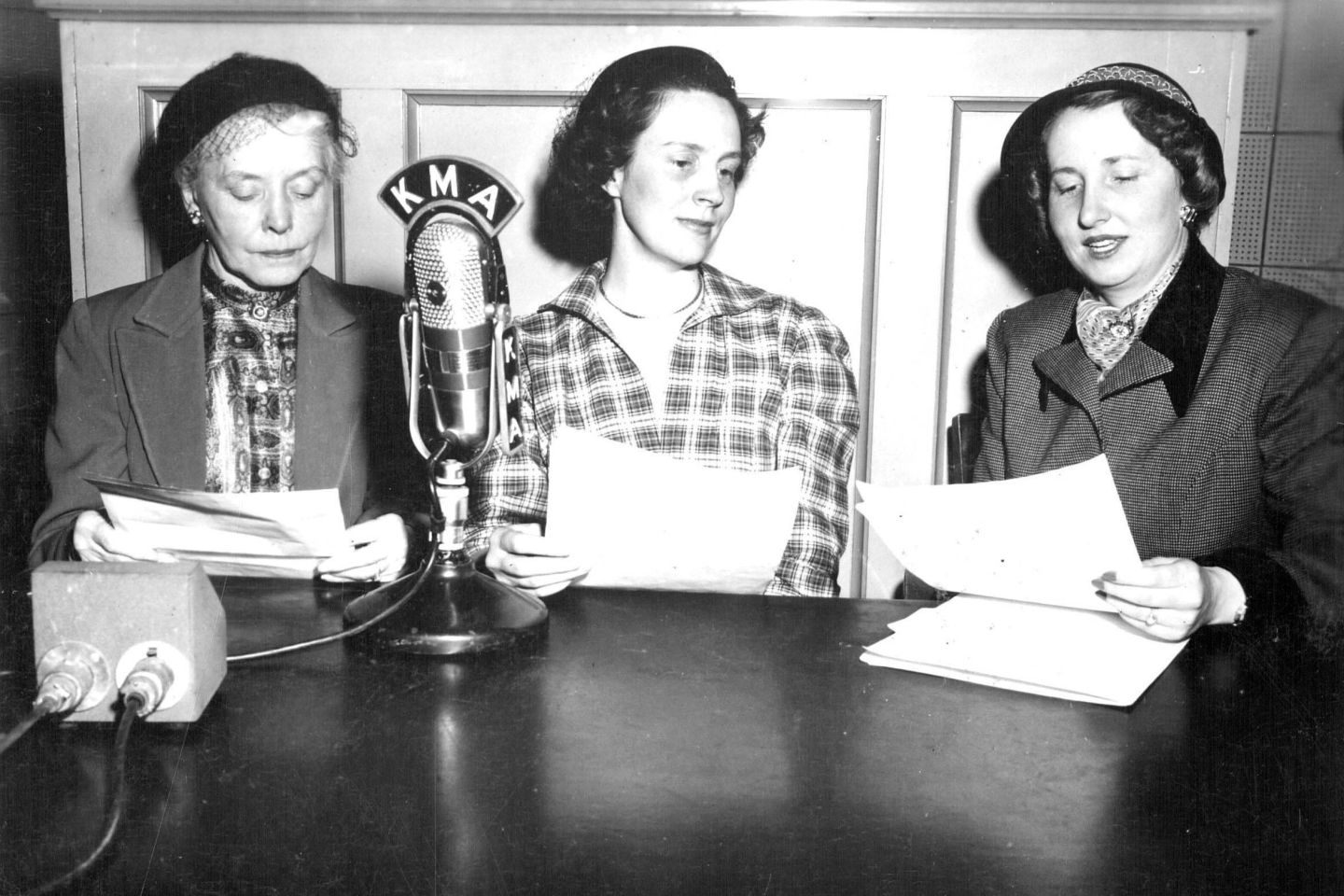 Food Podcasts 1.0: These Radio Pioneers Had It Down 90 Years Ago