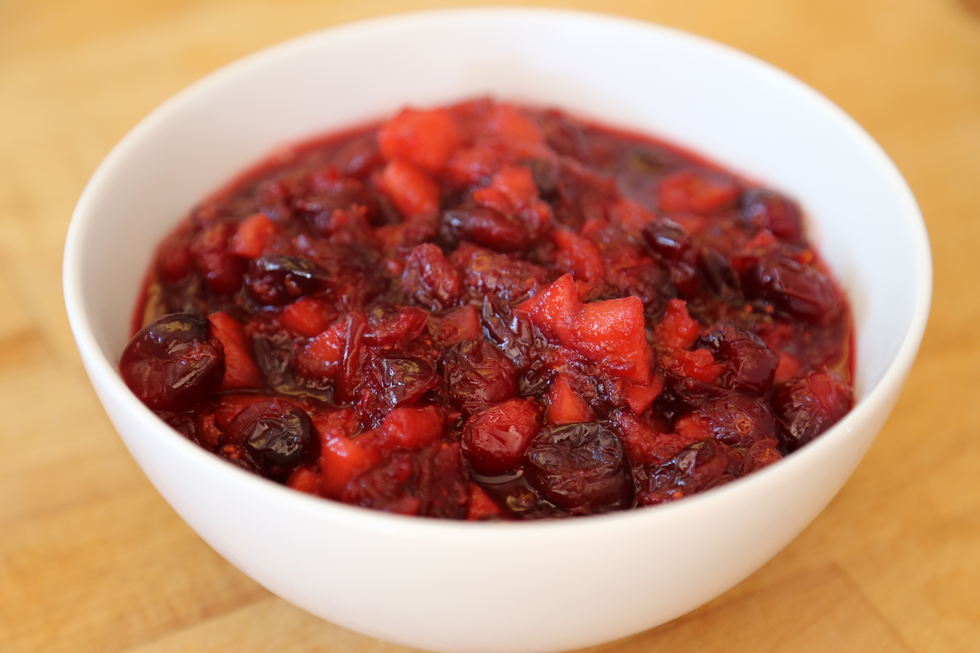 Sweet and Tangy Cranberry-Apple Chutney ready to serve.