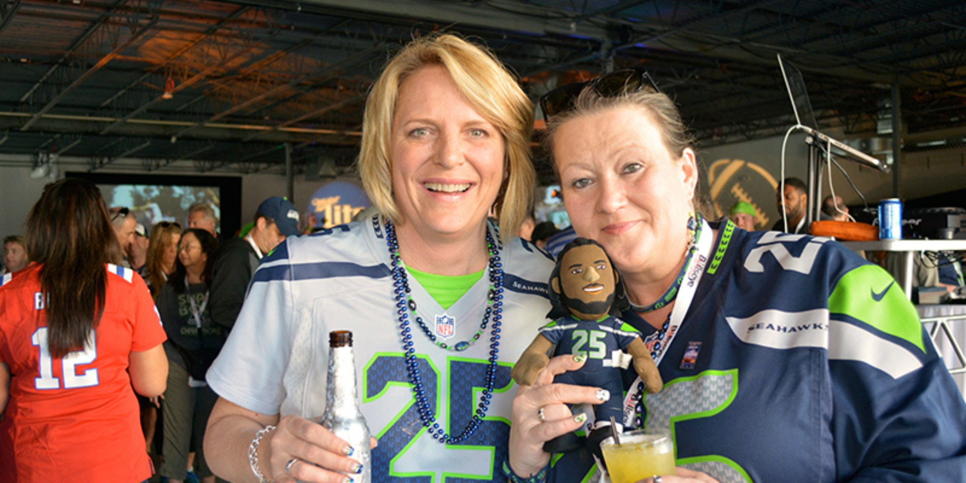Seahawks fans at the 2015 Players Super Bowl Tailgate