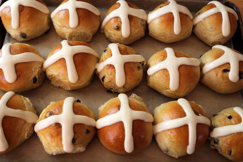Easter Brunch: Hot Cross Buns