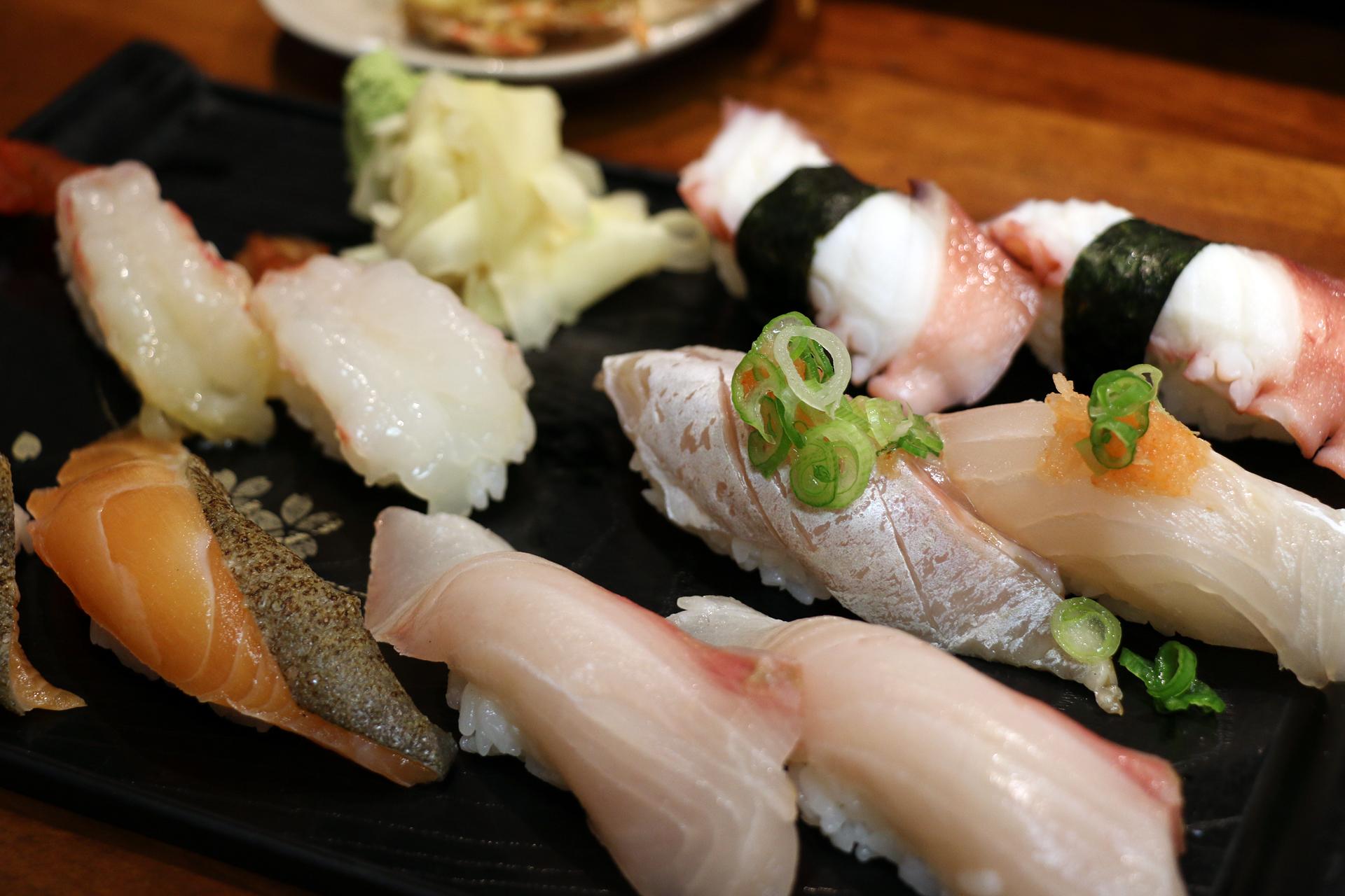 Assorted nigiri sushi at Geta.