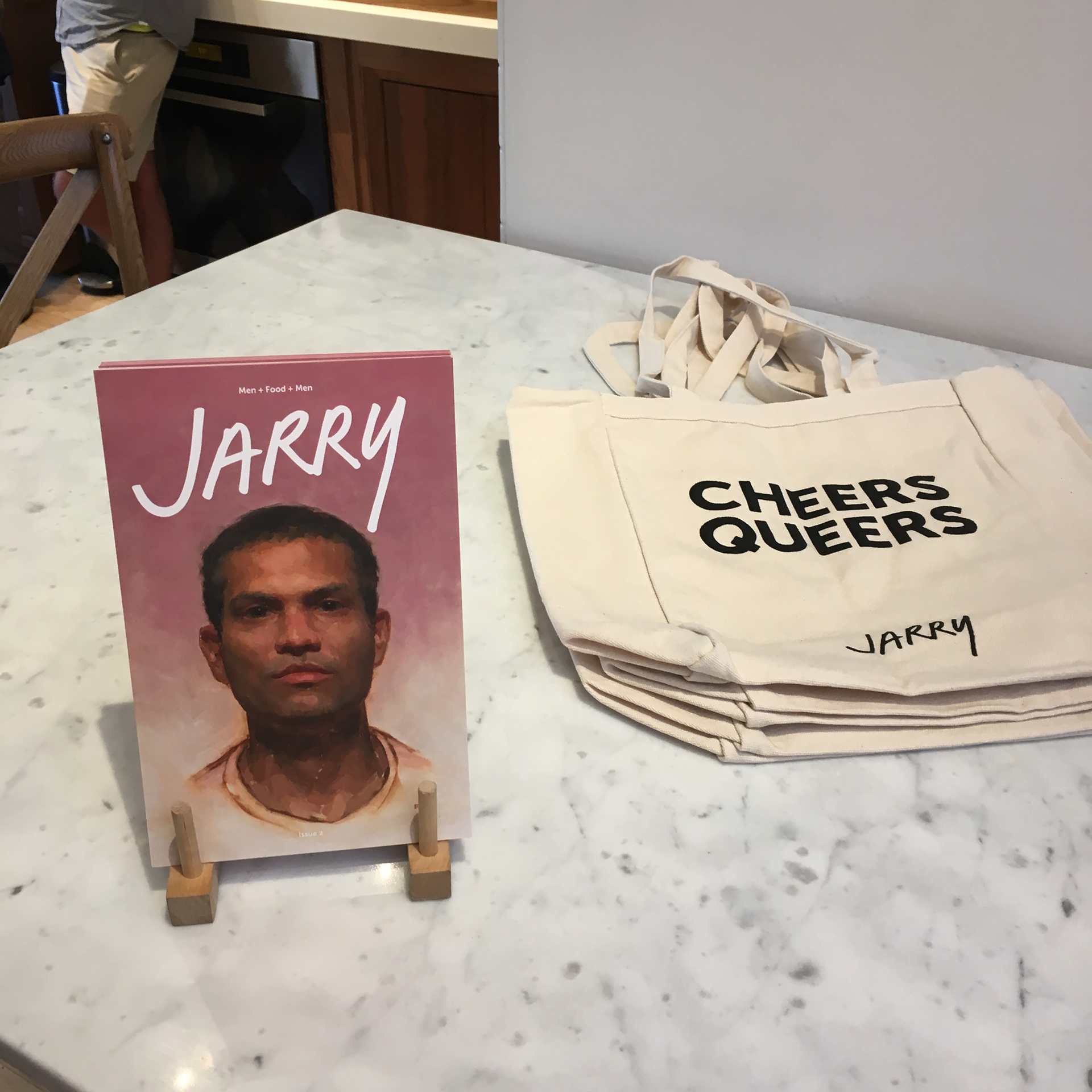 Jarry issue 2 and tote bags.