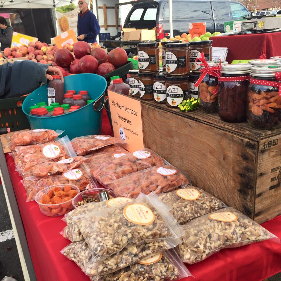Smit Orchards at the Castro Valley Farmers Market