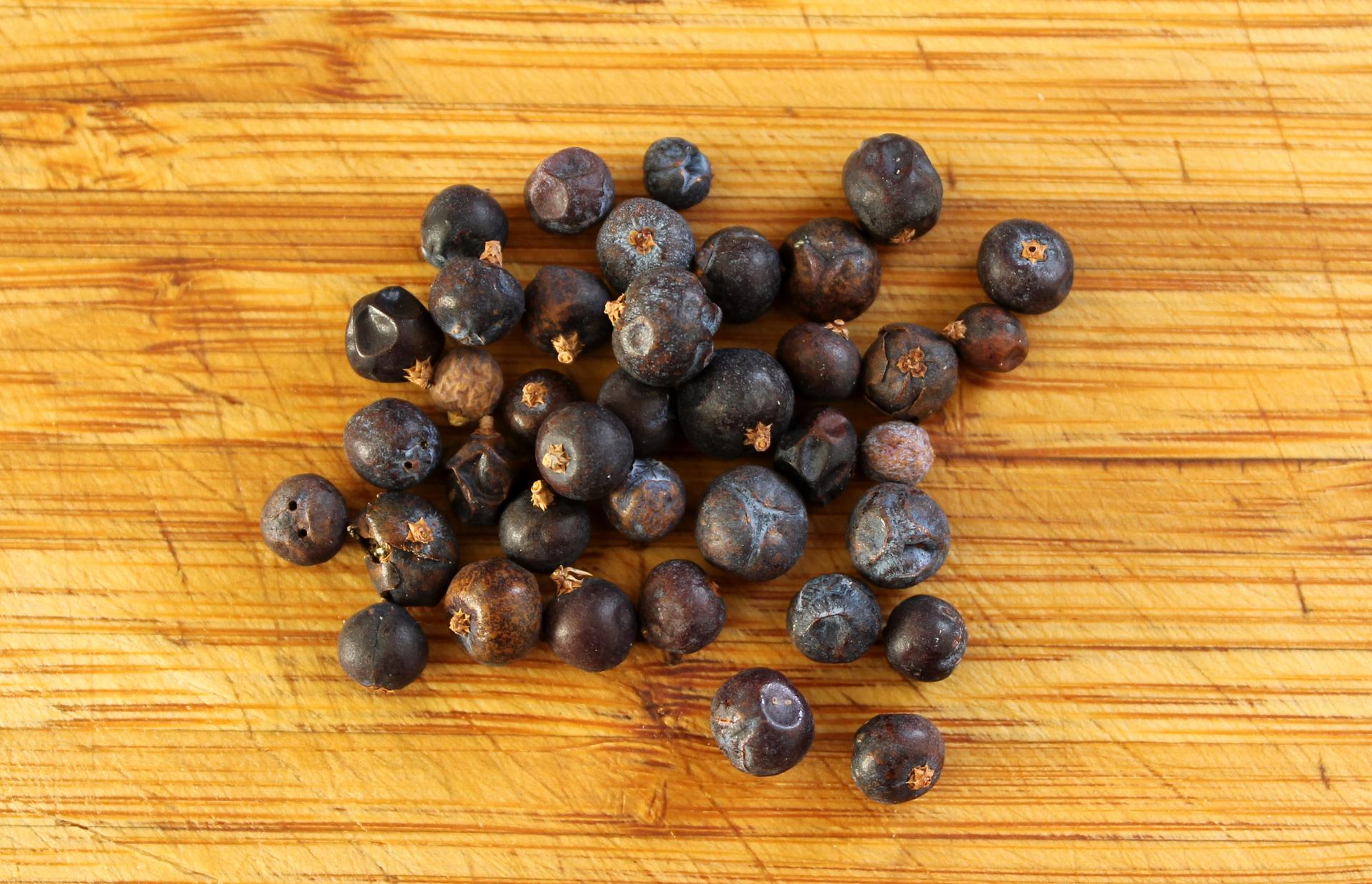 Dried juniper berries.