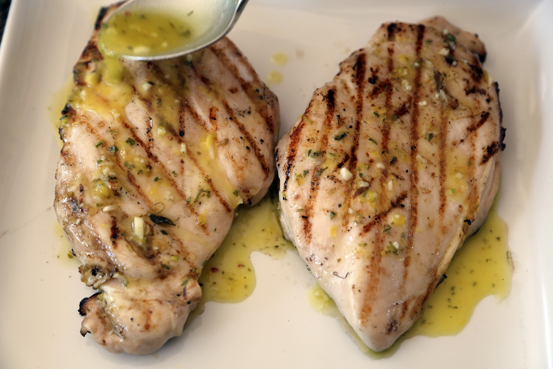 grilled chicken breast labor day recipe easy grilled boneless chicken 12936