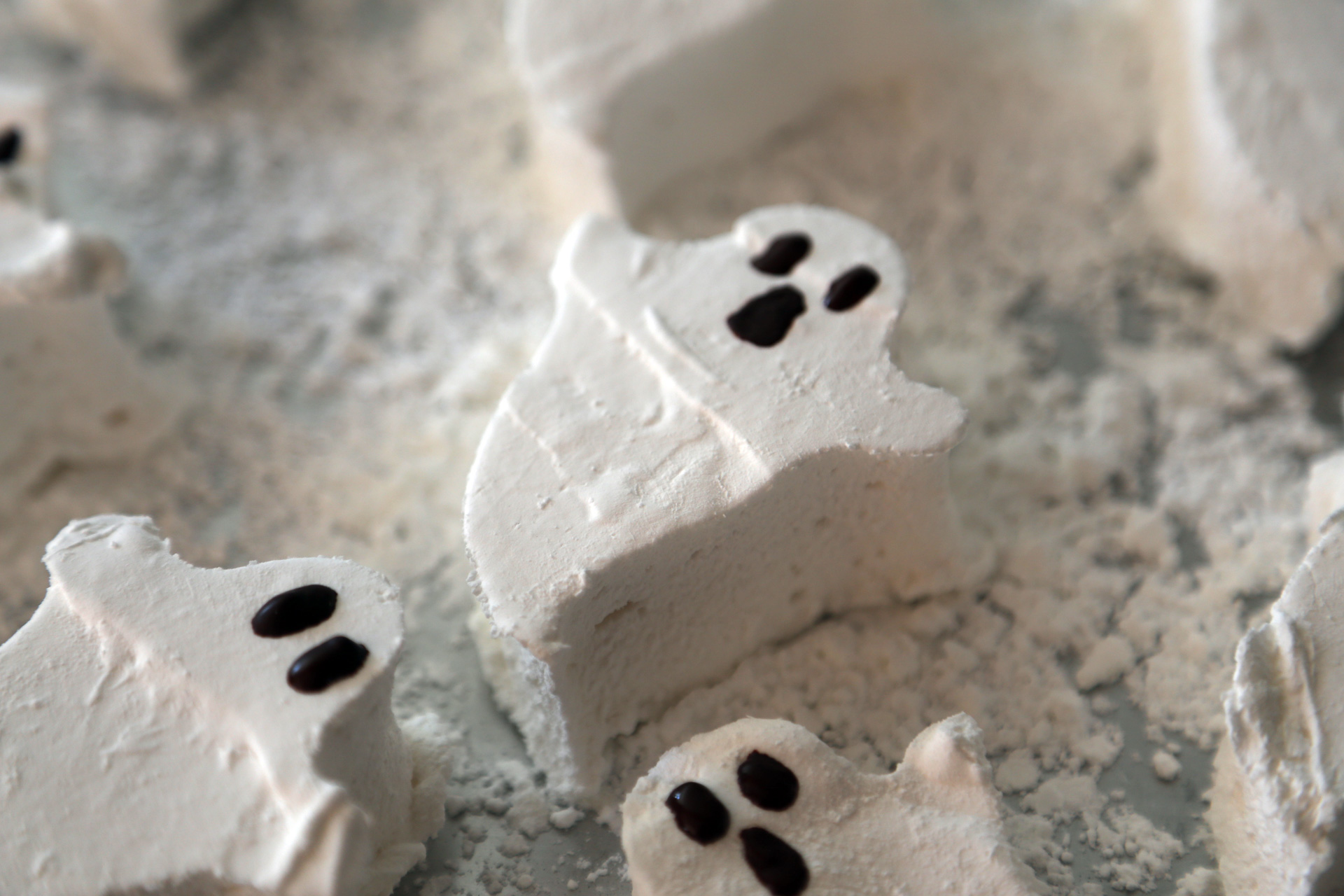 Halloween Treats Homemade Marshmallow Ghosts Halloween