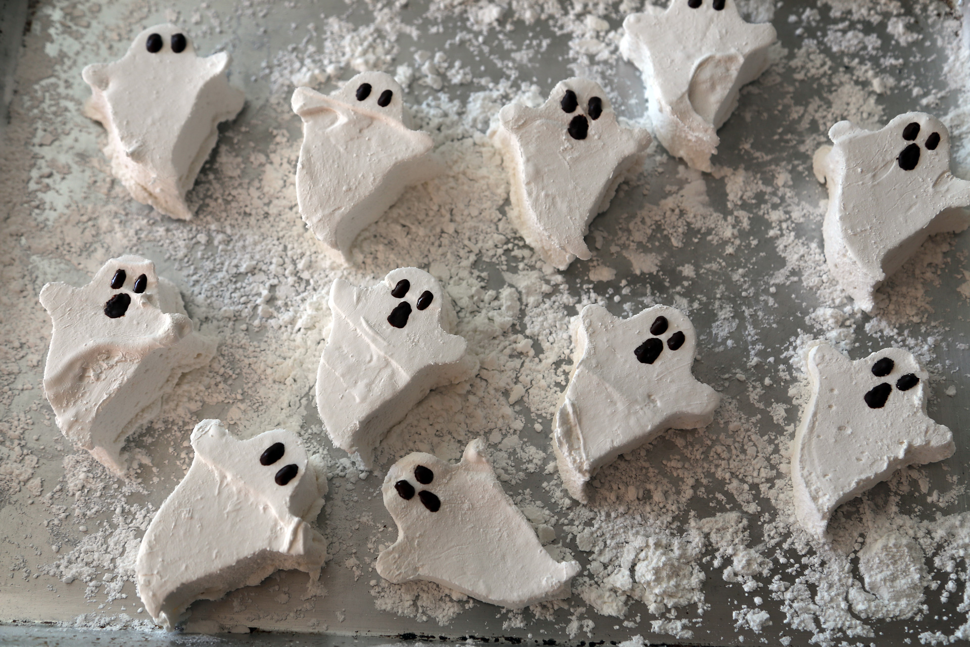 Homemade Marshmallow Ghosts