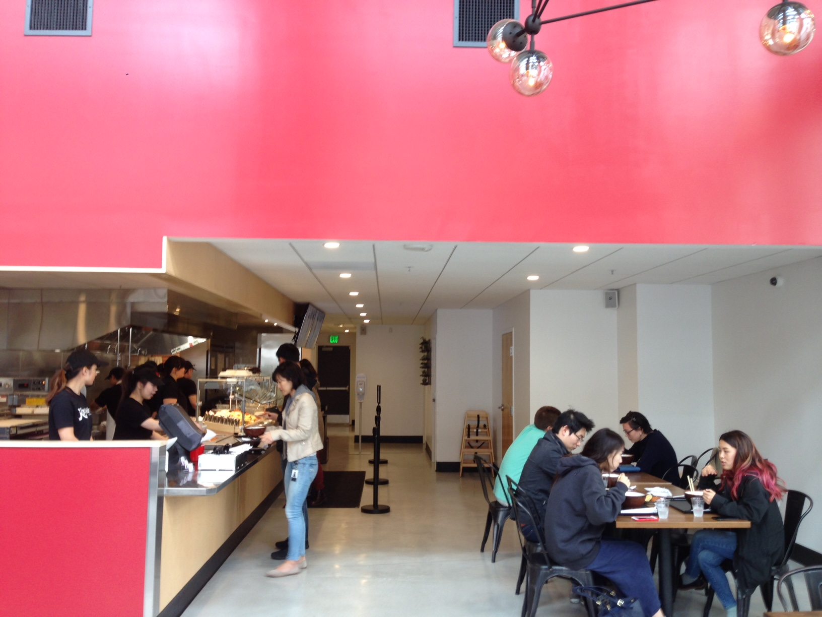 Kagawa-Ya interior counter.