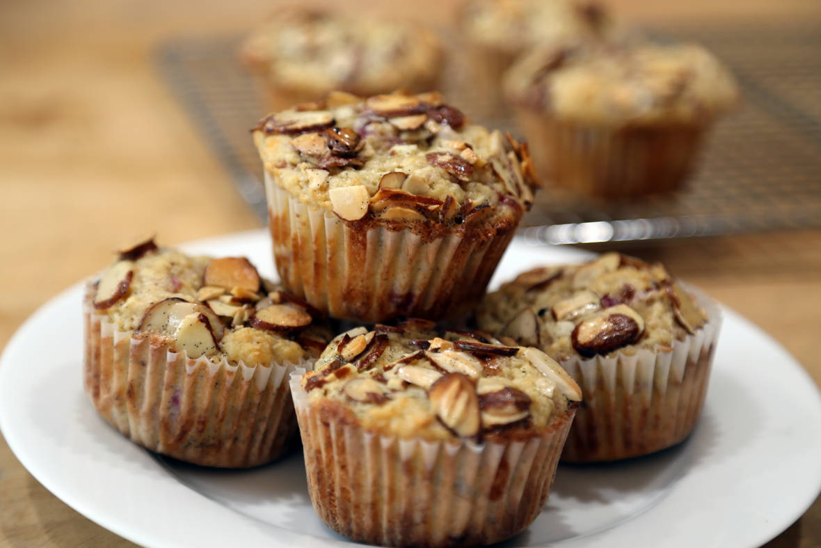 Mother's Day Treat: Roasted Rhubarb-Orange Muffins with Vanilla-Almond Crackle