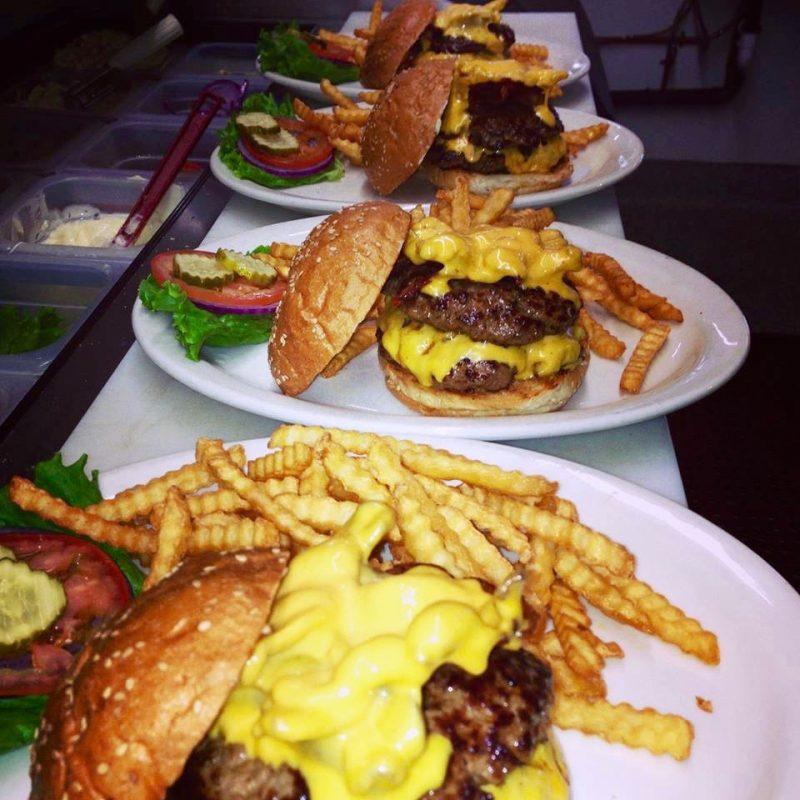 Ozzie's Ultimate Burger, Ozzie's Grill, Santa Rosa