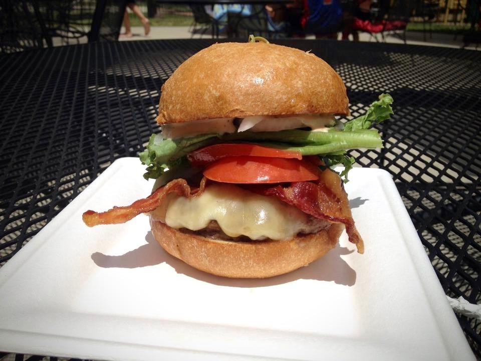 Sequoia Burger, Sequoia Burger, Sebastopol
