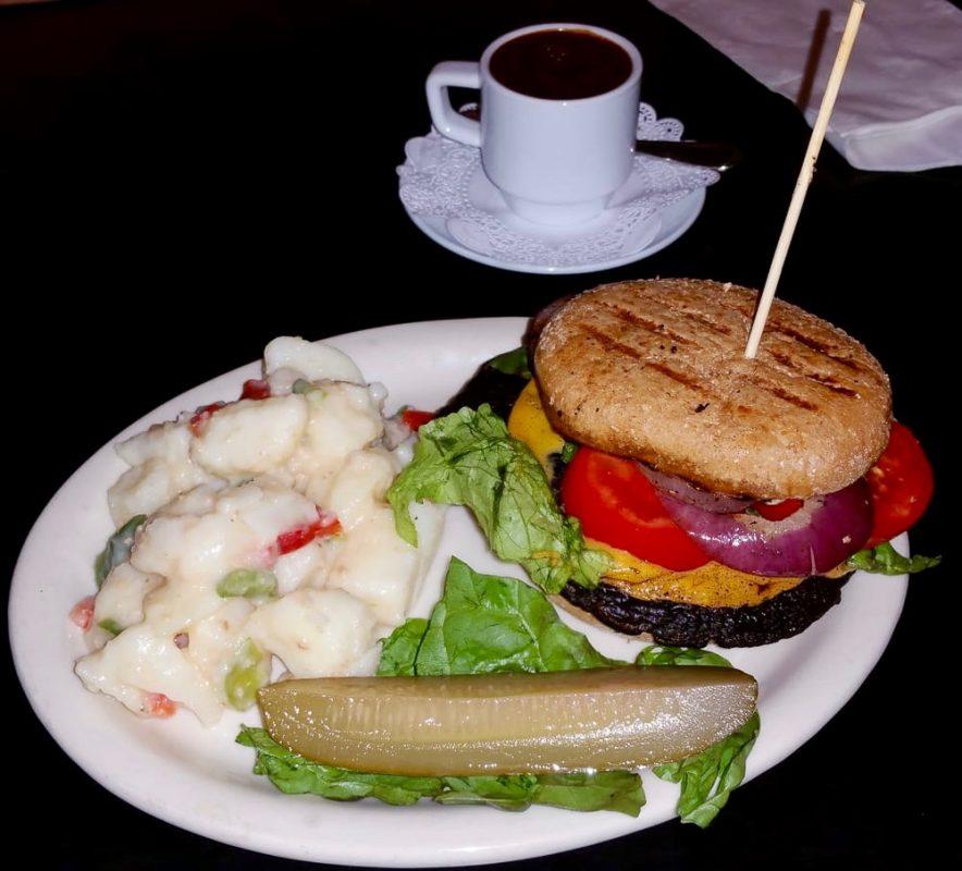 Bella Burger, Gaia's Garden, Santa Rosa