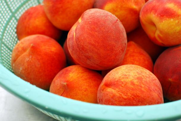 Taste the Sunshine: A Farmers Market Guide to Stone Fruit