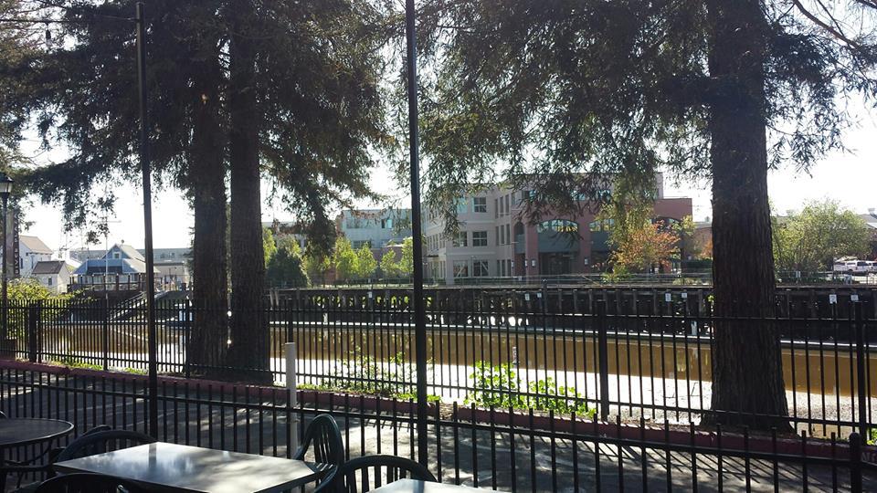 Dempsey's Restaurant & Brewery, Petaluma