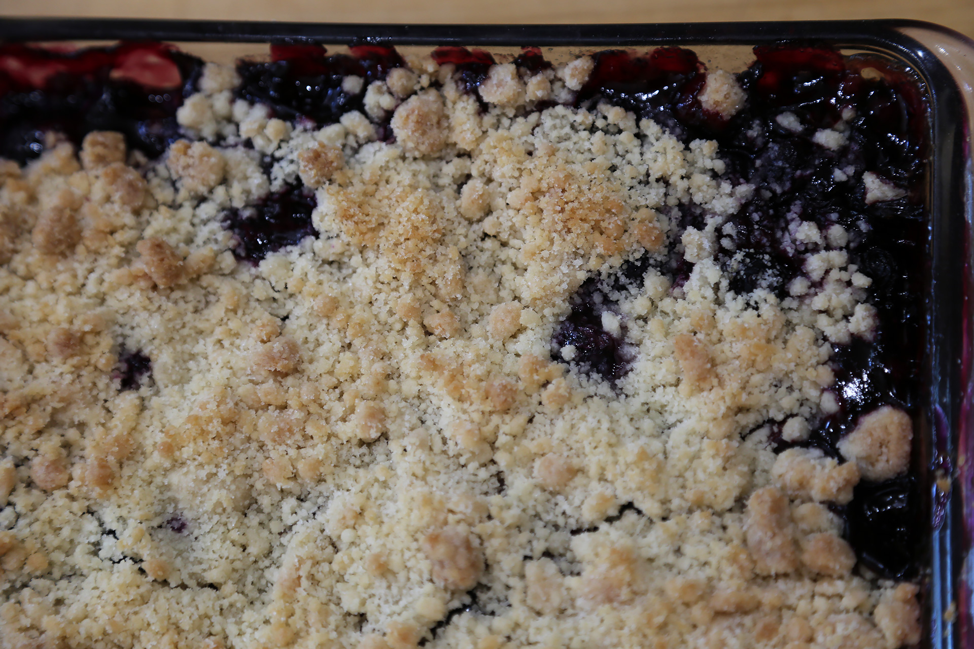 Sweet Summer Blueberry Crumble