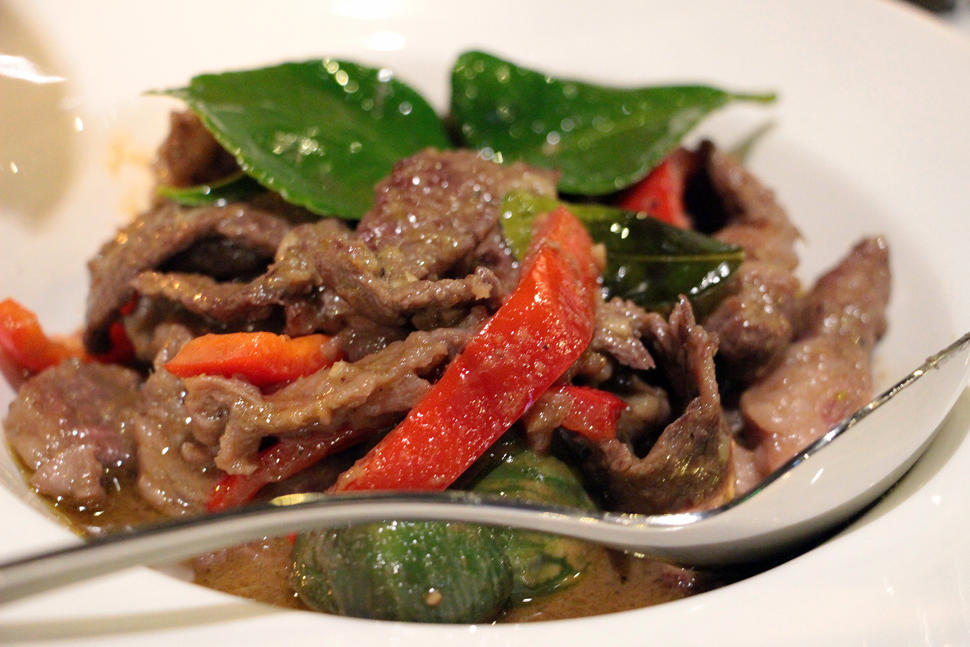 Stir-Fried Green Curry with Beef - Keawn Wan Pad Heang