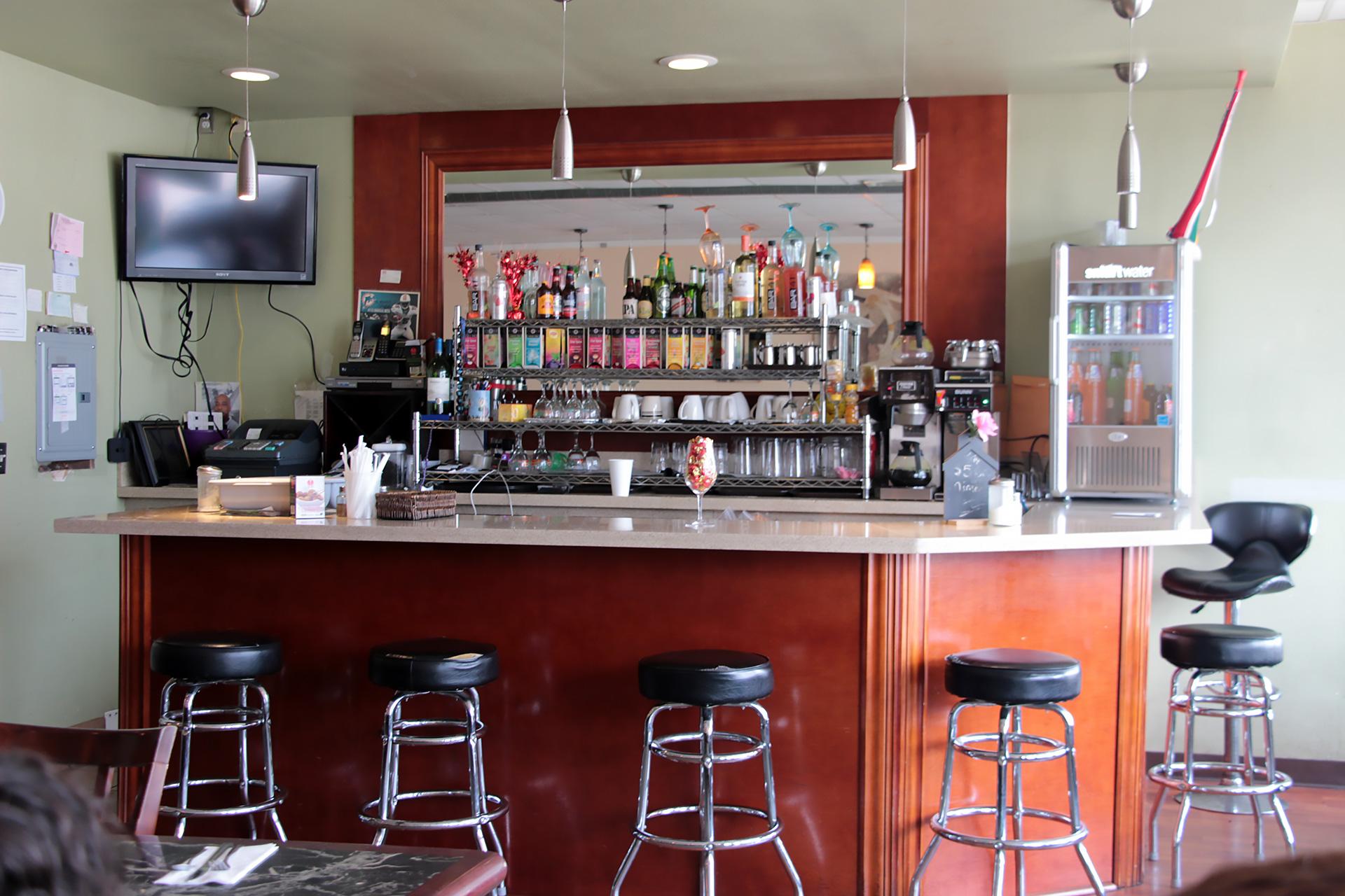The bar at Miliki.