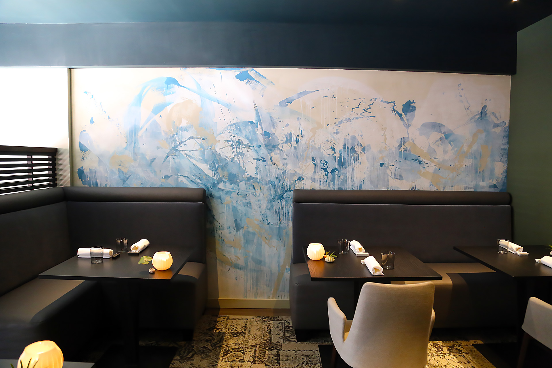 Upstairs dining area at Avery with Venetian plaster wall treatments by San Francisco-based artist Victor Reyes