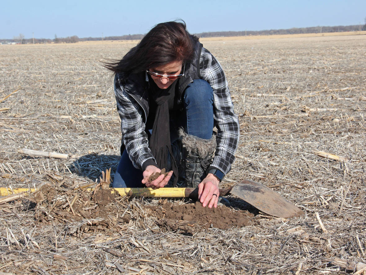 A Grass-Roots Movement For Healthy Soil Spreads Among Farmers