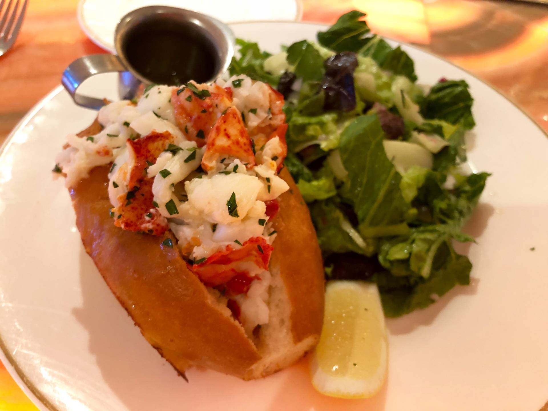 Maine lobster roll at Leo's Oyster Bar